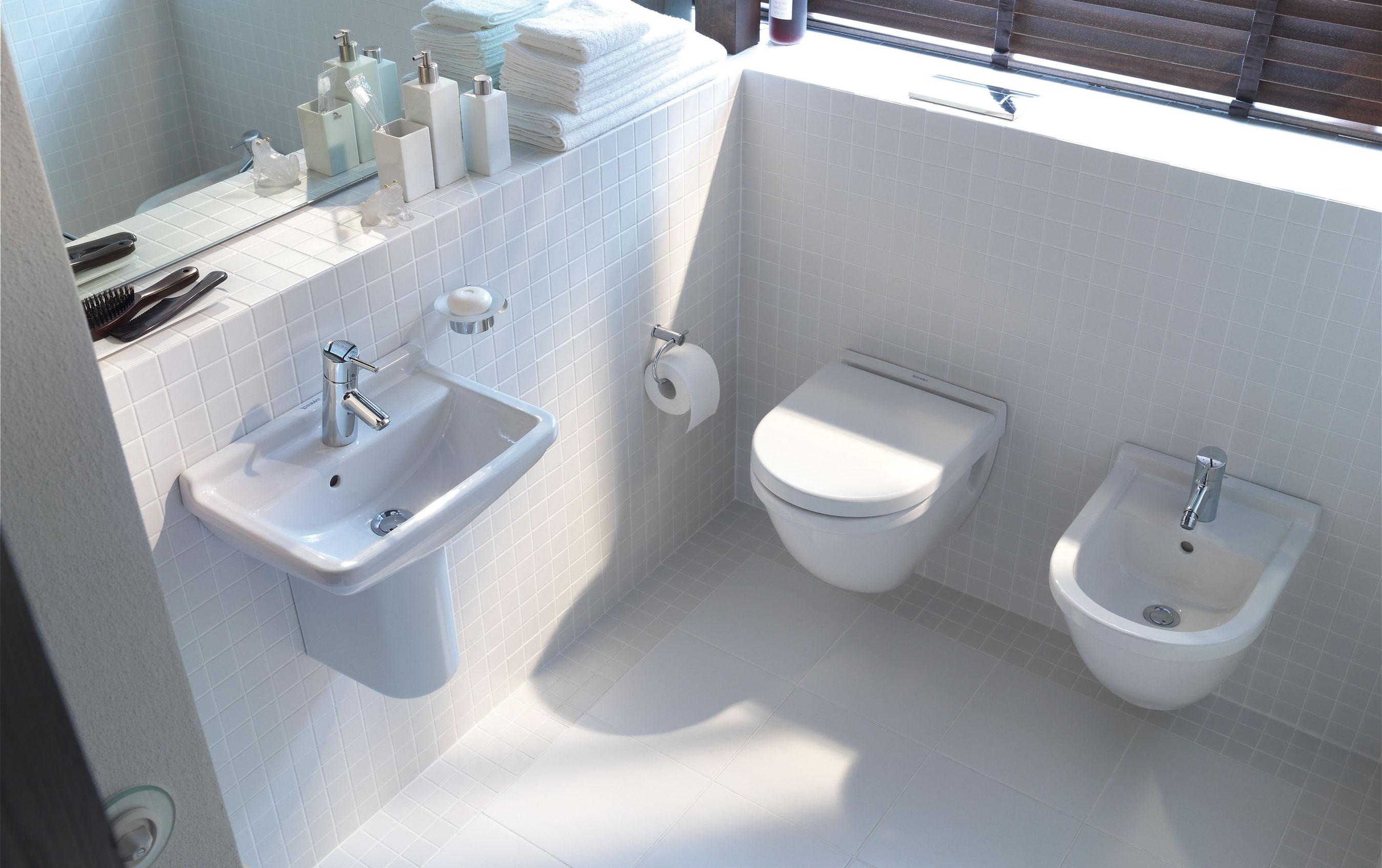 Storia del bidet un termine francese ma in francia non si usa - Come sbiancare i sanitari del bagno ...