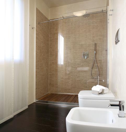 Come arredare un bagno piccolo medio grande - Bagno piccolo con doccia ...