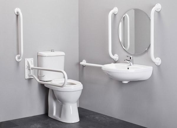 Infine, nei bagni per disabili devono essere presenti dei corrimano ...