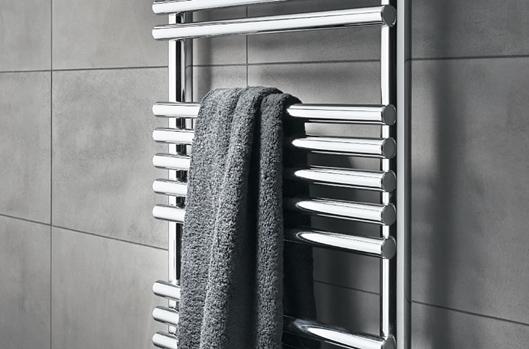 Termoarredo per il bagno quali sono i vantaggi bagnolandia - Termoarredo bagno cromato ...