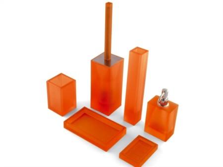 Come comporre il tuo bagno idee originali e consigli pratici - Accessori bagno colorati ...