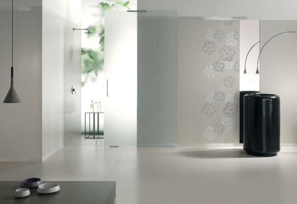 Arredo bagno dal design moderno consigli ed errori da evitare bagnolandia - Rivestimento bagno moderno ...