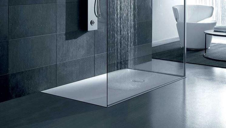 Doccia filo pavimento pro e contro bagnolandia - Piatto doccia incassato nel pavimento ...