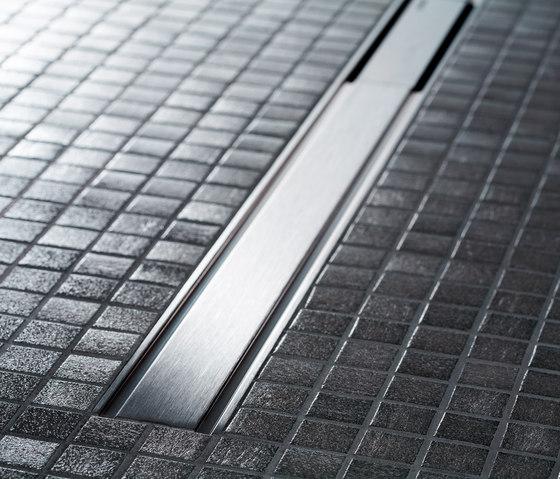 Doccia filo pavimento pro e contro bagnolandia - Piatto doccia mosaico ...