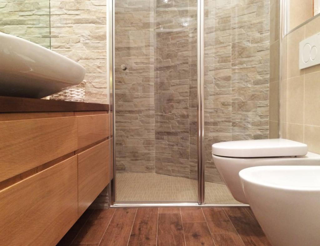 La miglior disposizione dei sanitari per il bagno - Bagno piccolo con doccia ...