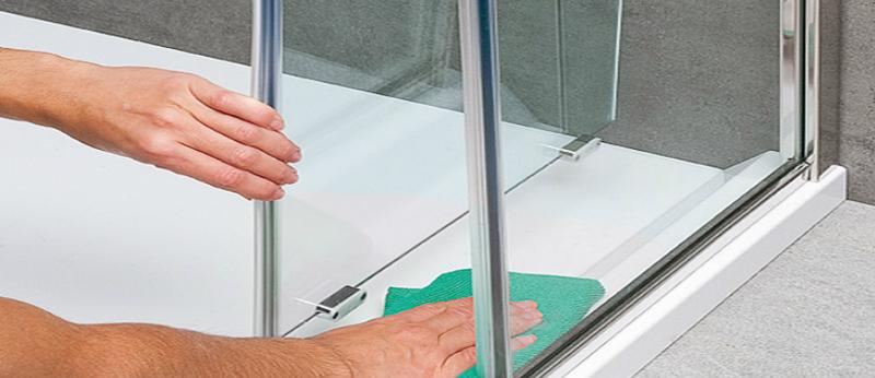 Come pulire il vetro del box doccia bagnolandia - Come pulire i sanitari del bagno ...