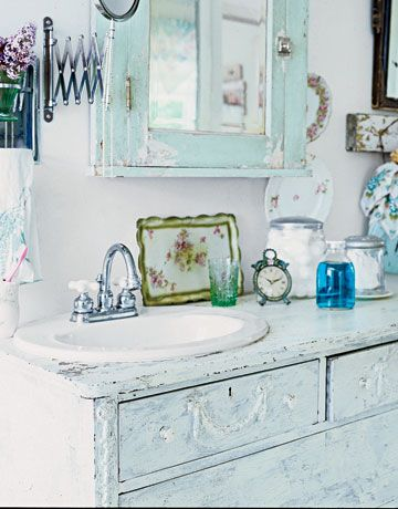 Come arredare un bagno in stile shabby chic bagnolandia - Idea accessori bagno ...