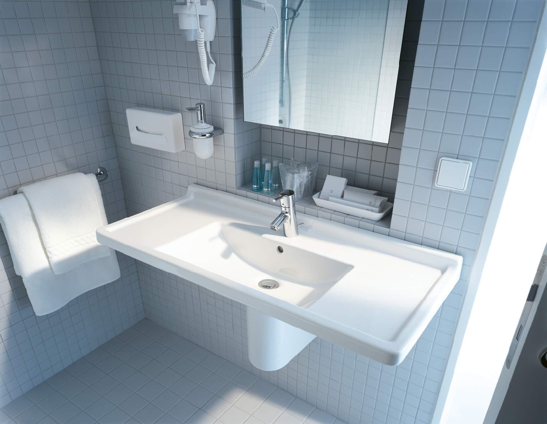 duravit starck quando l 39 estetica incontra l 39 igiene bagnolandia. Black Bedroom Furniture Sets. Home Design Ideas
