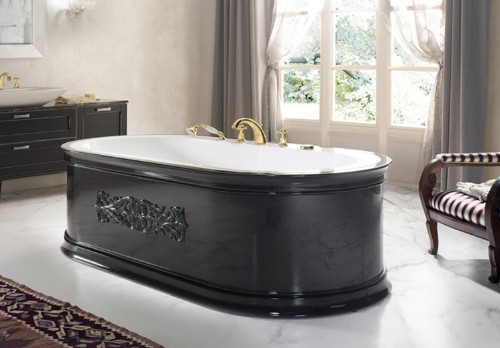 Arredamento di un bagno grande