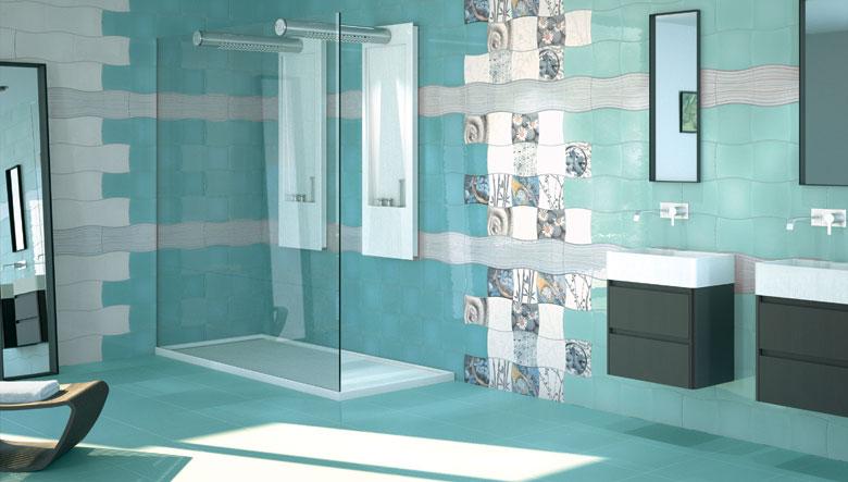 Rivestimento delle piastrelle in bagno