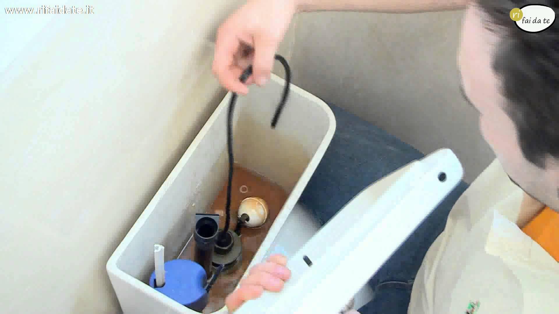 Sistemazione cassetta wc