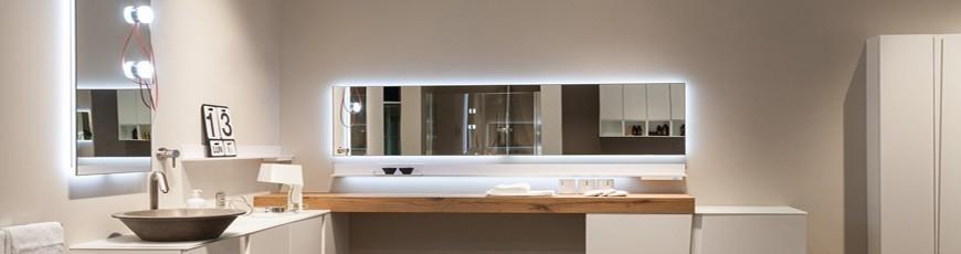 Specchi Bagno Moderni Con Luce E Senza Luce Bagnolandia